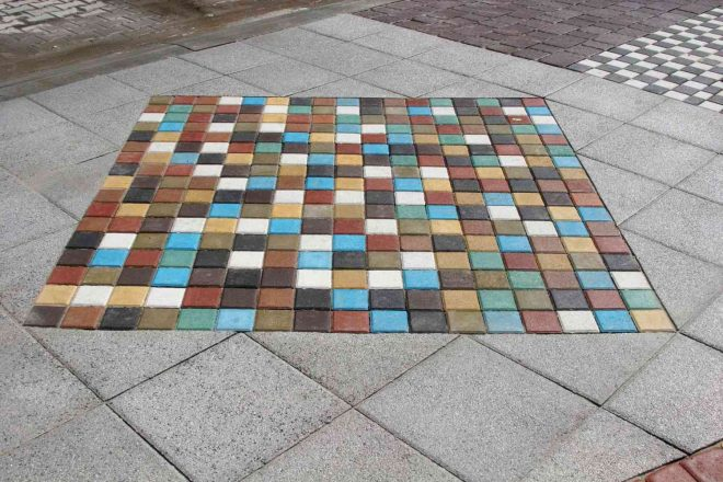 Лоскутное одеяло из тротуарной плитки