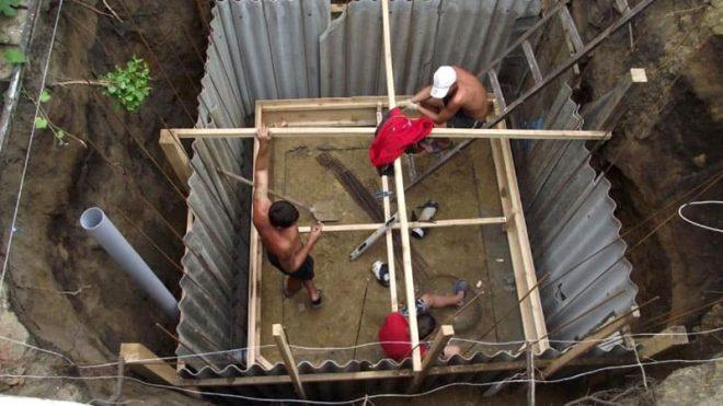 Подземное хранилище со стенками из шифера