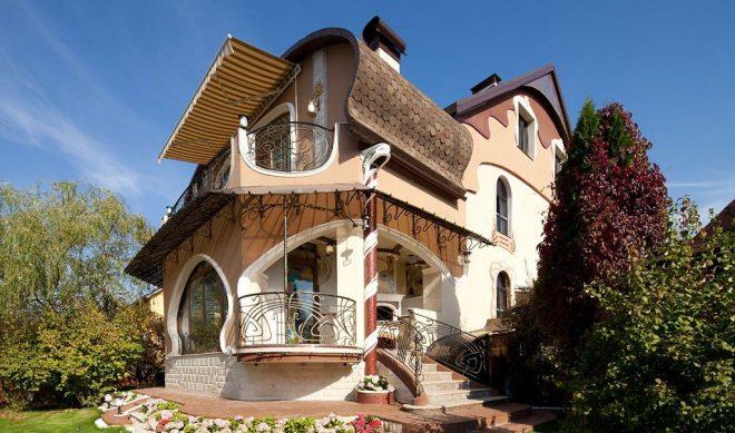 Дом необычной конструкции