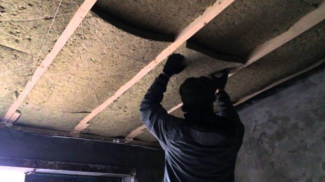 Утепление крыши гаража минватой