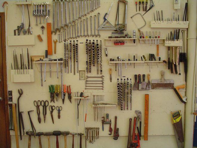 Стенд для хранения инструментов
