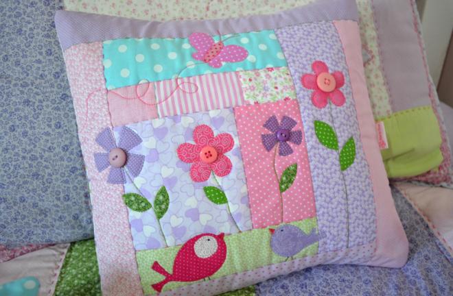 Лоскутные подушки для детей