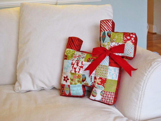Фигурная диванная подушка из лоскутков