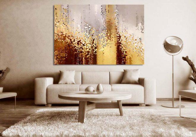 Интерьер с большой картиной на стене