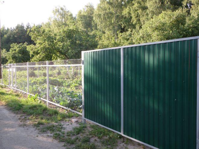 Забор из металлического шифера