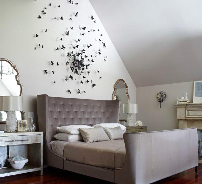 Бумажные бабочки на стене над кроватью