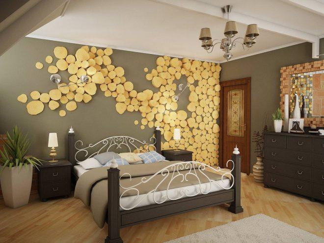 Спилы деревьев на стене в спальне