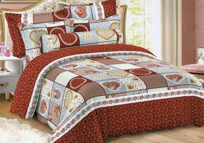 Покрывало и подушки в стиле пэчворк