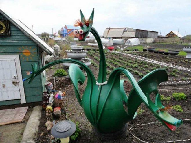 Скульптура дракона