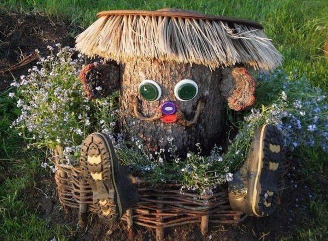 Садовая скульптура из пня