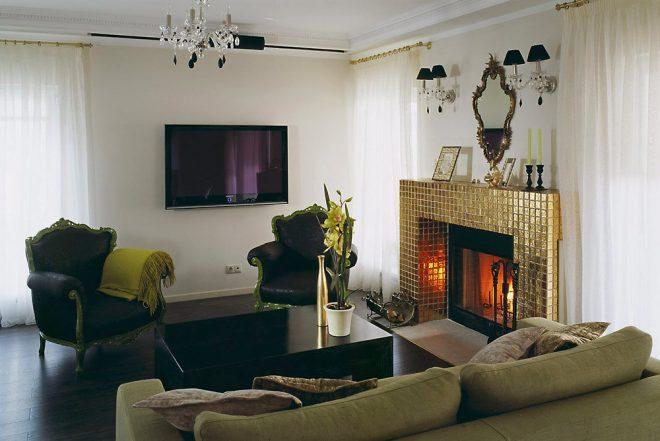 Гостиная в современном стиле с электрическим камином