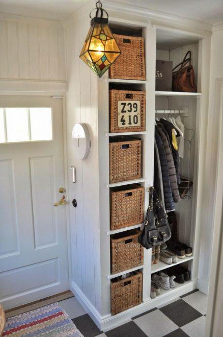 Компактное размещение вещей в коридоре