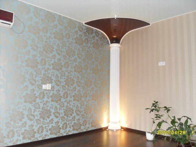 Декоративная колонна в углу