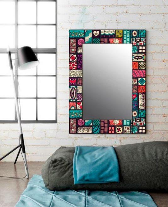 Декорированное зеркало