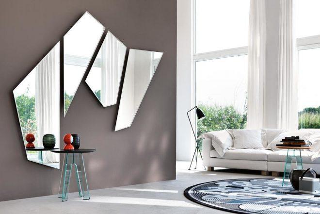Необычная композиция из зеркал