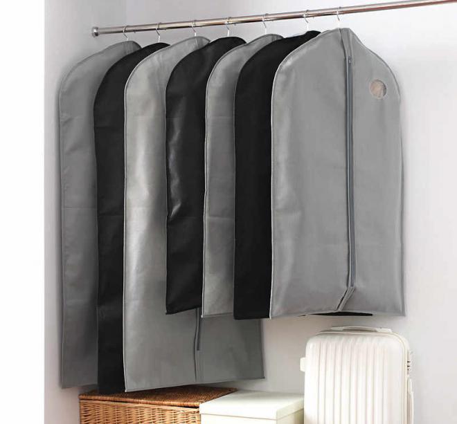 Хранение верхней одежды в чехлах