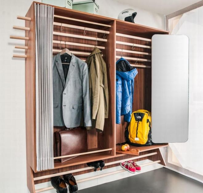 Шкаф с ширмой для верхней одежды