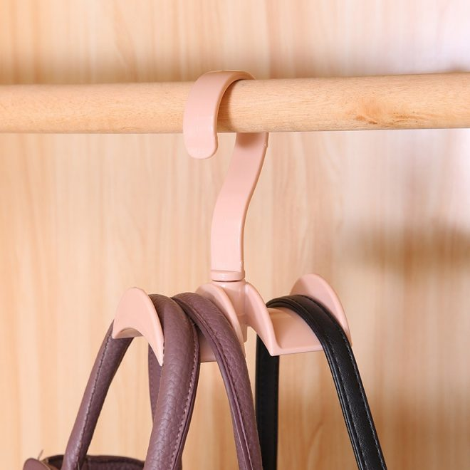 Специальная вешалка для сумок