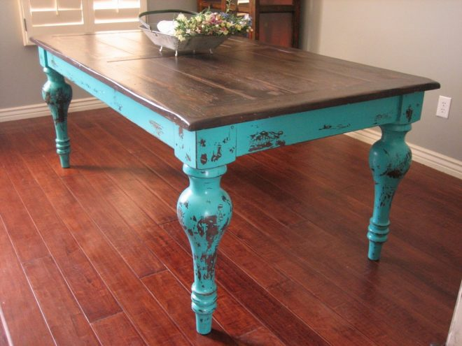 Винтажный стол