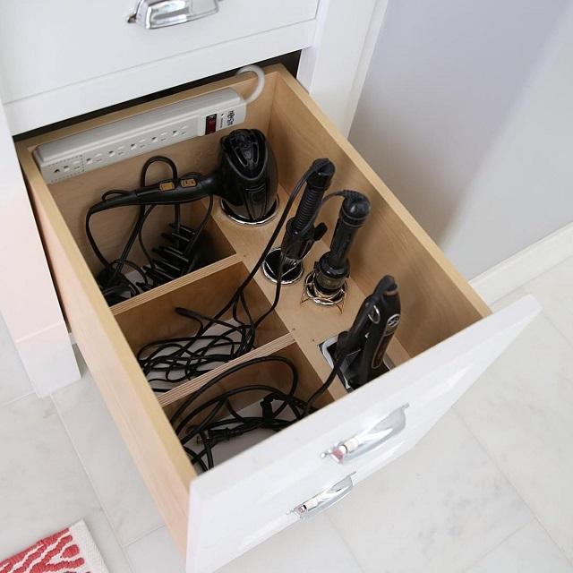 Хранение плойки и фена в ящике