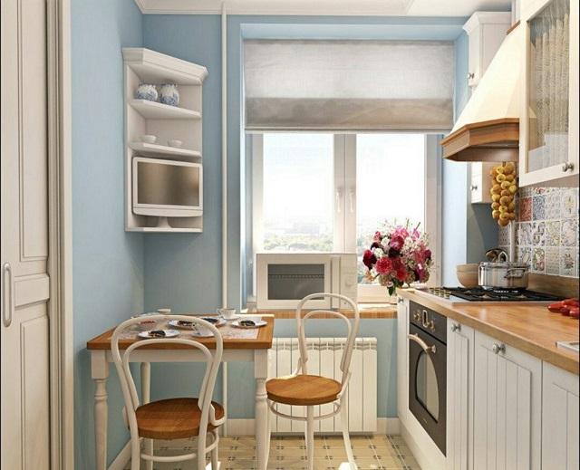 Маленькая уютная кухня