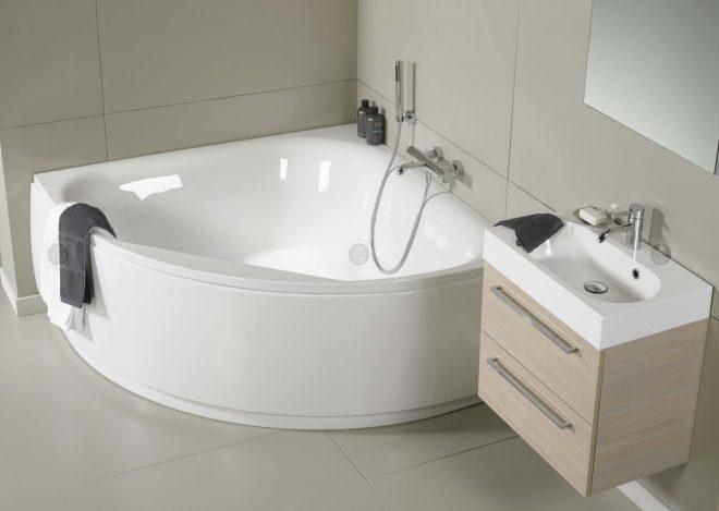 асимметричные ванны в интерьере