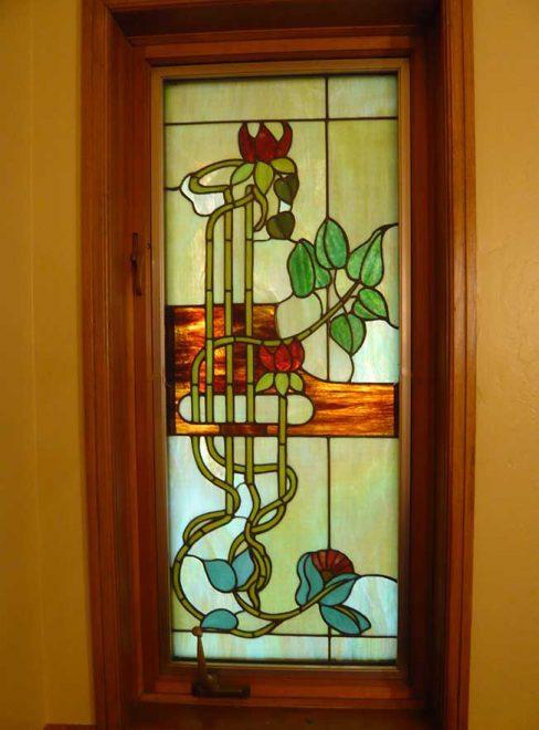Декорирование стеклянной двери