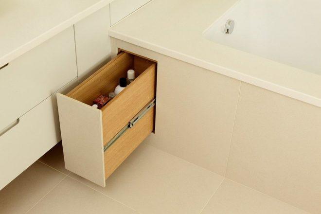 Выдвижные ящики под ванной