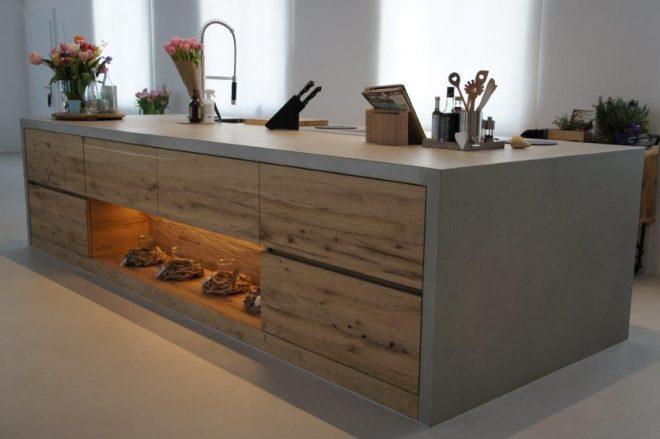 Кухонный стол из бетона с деревянными ящиками