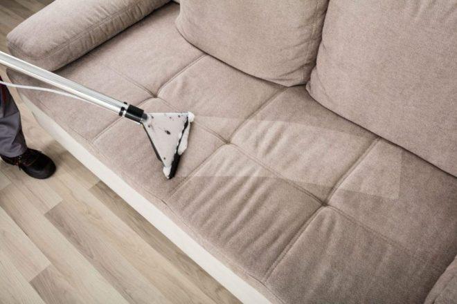 как почистить диван пылесосом