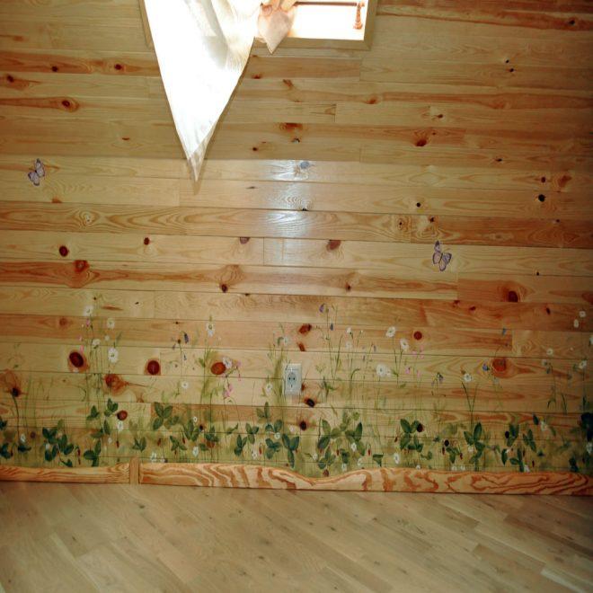 Роспись деревянной стены
