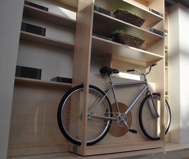 где хранить велосипед в квартире