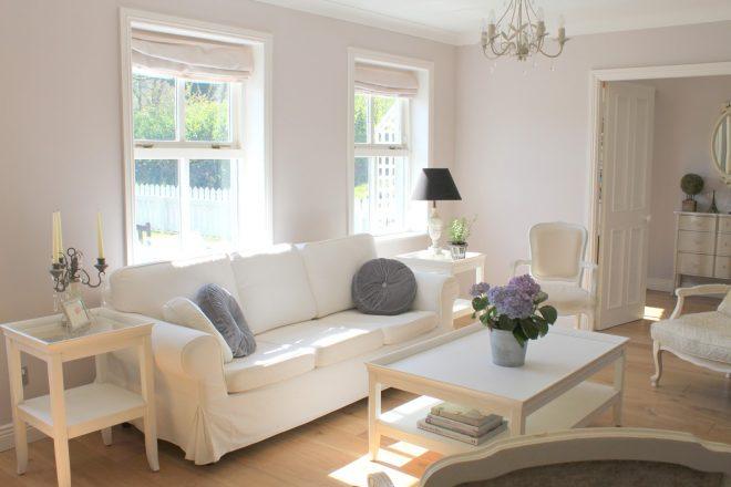 Белый диван от Икеа