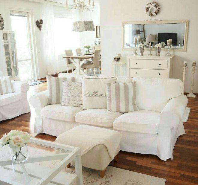 Белый диван Икеа в интерьере гостиной