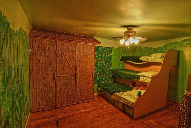 Комната в виде джунглей