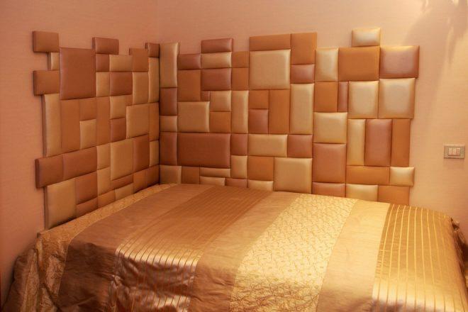 кровать у стены как защитить обои