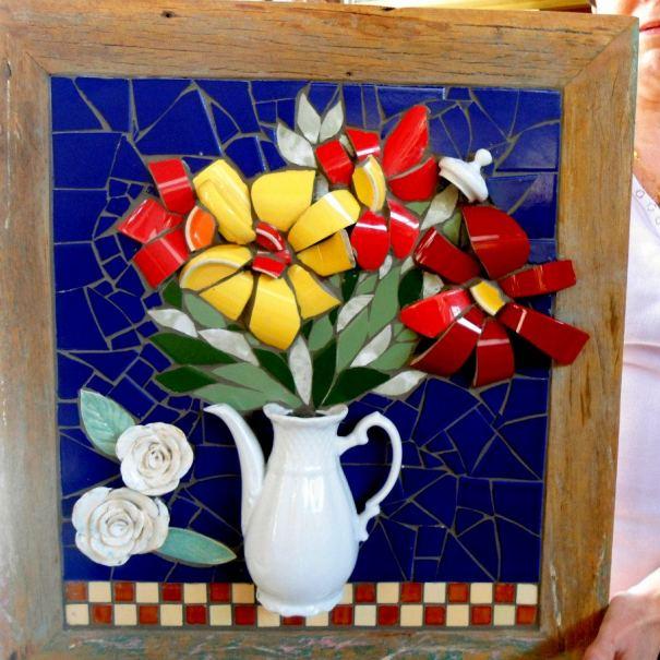 Панно из осколков разбитой вазы
