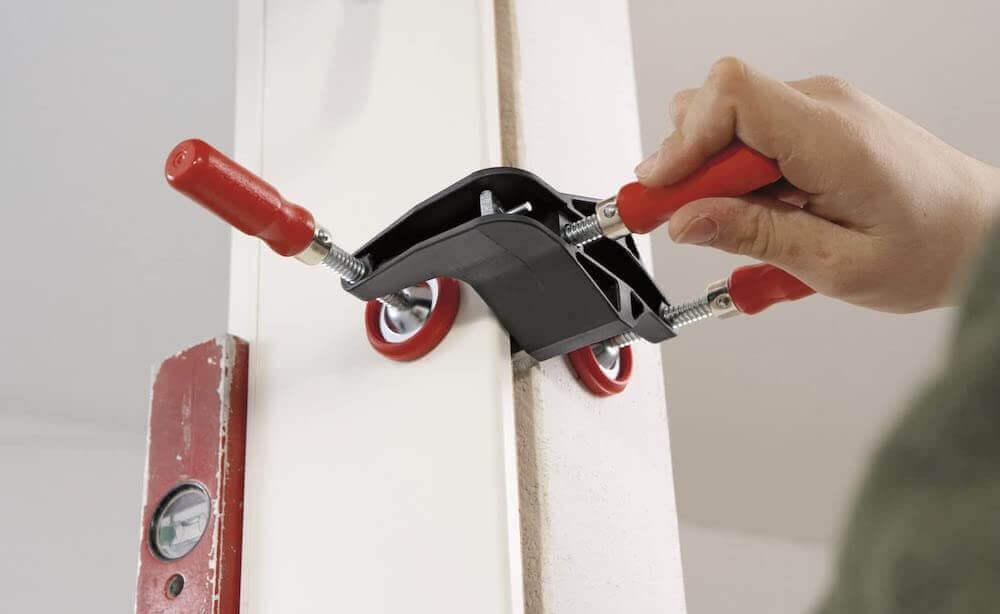 Какие потребуются инструменты для установки дверей